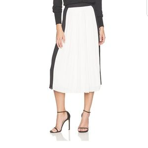Dear drew pleated skirt NWT size 12